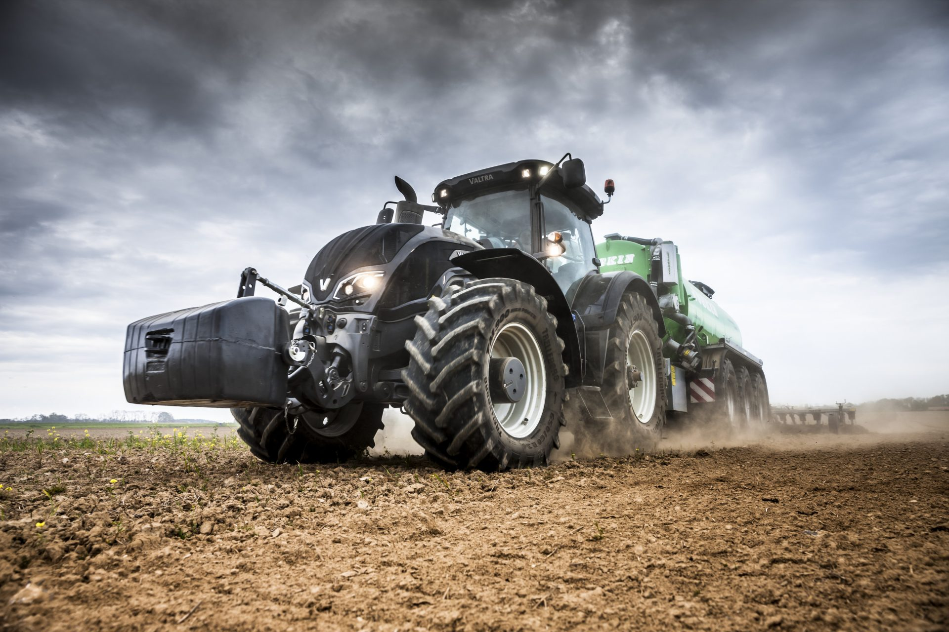 tractor Valtra S 324 Smart Touch
