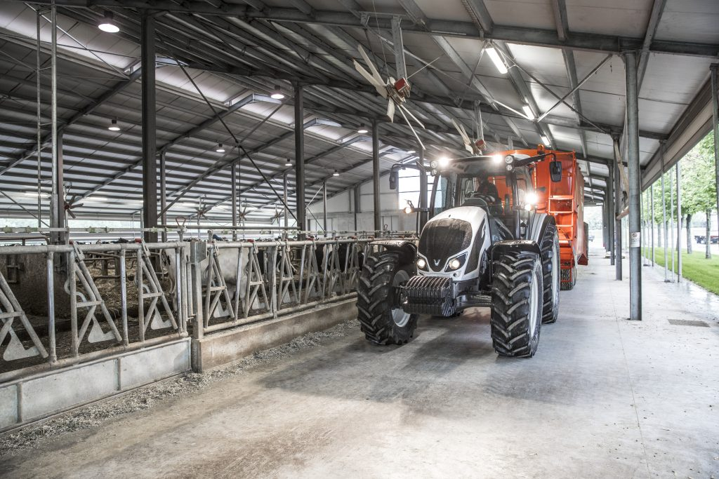 Tractor Valtra A 104 MH