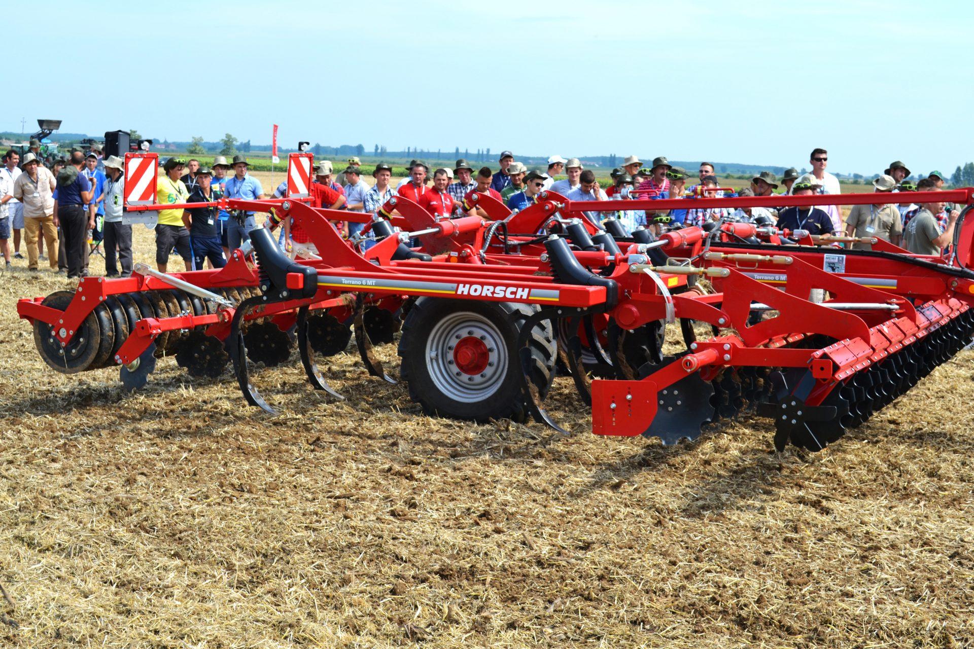 Cultivator Horsch TERRANO MT la demonstrații