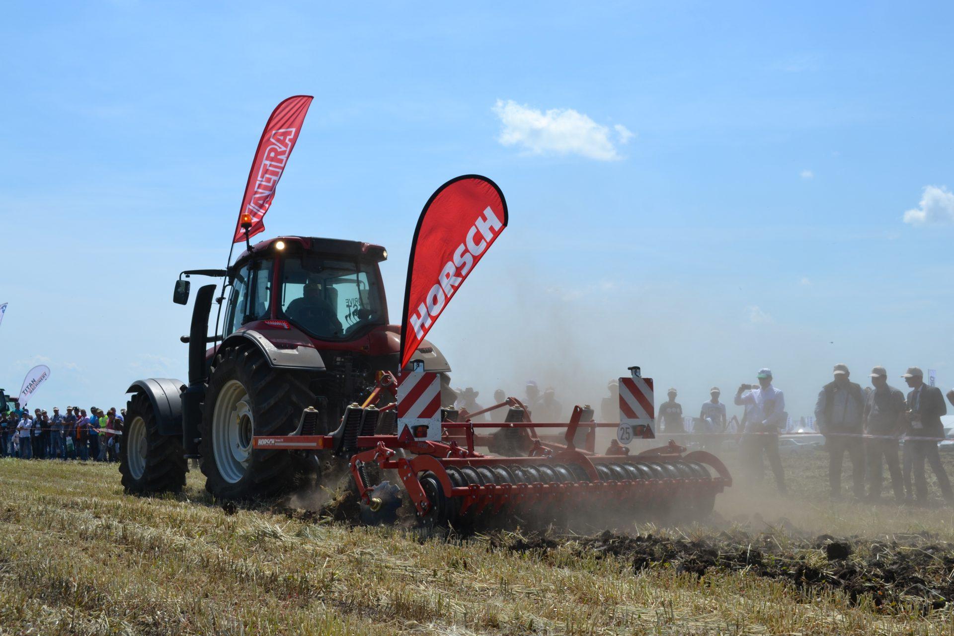 Cultivator Horsch TERRANO FX la demonstrații