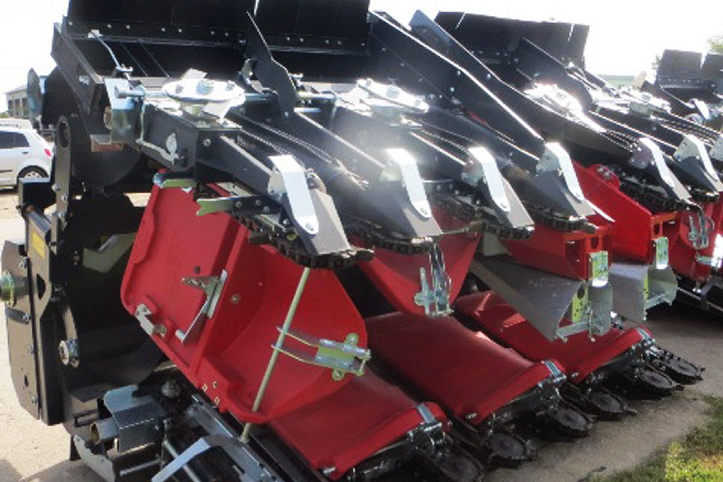 Culegator porumb Dominoni KAIMAN S 978/ 979 BG cu echipament de floarea soarelui