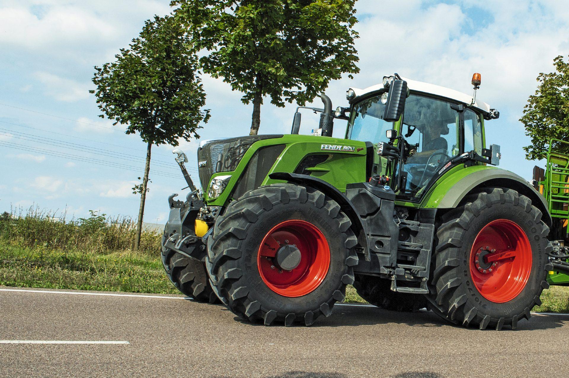 Tractor Fendt 822 Vario Power