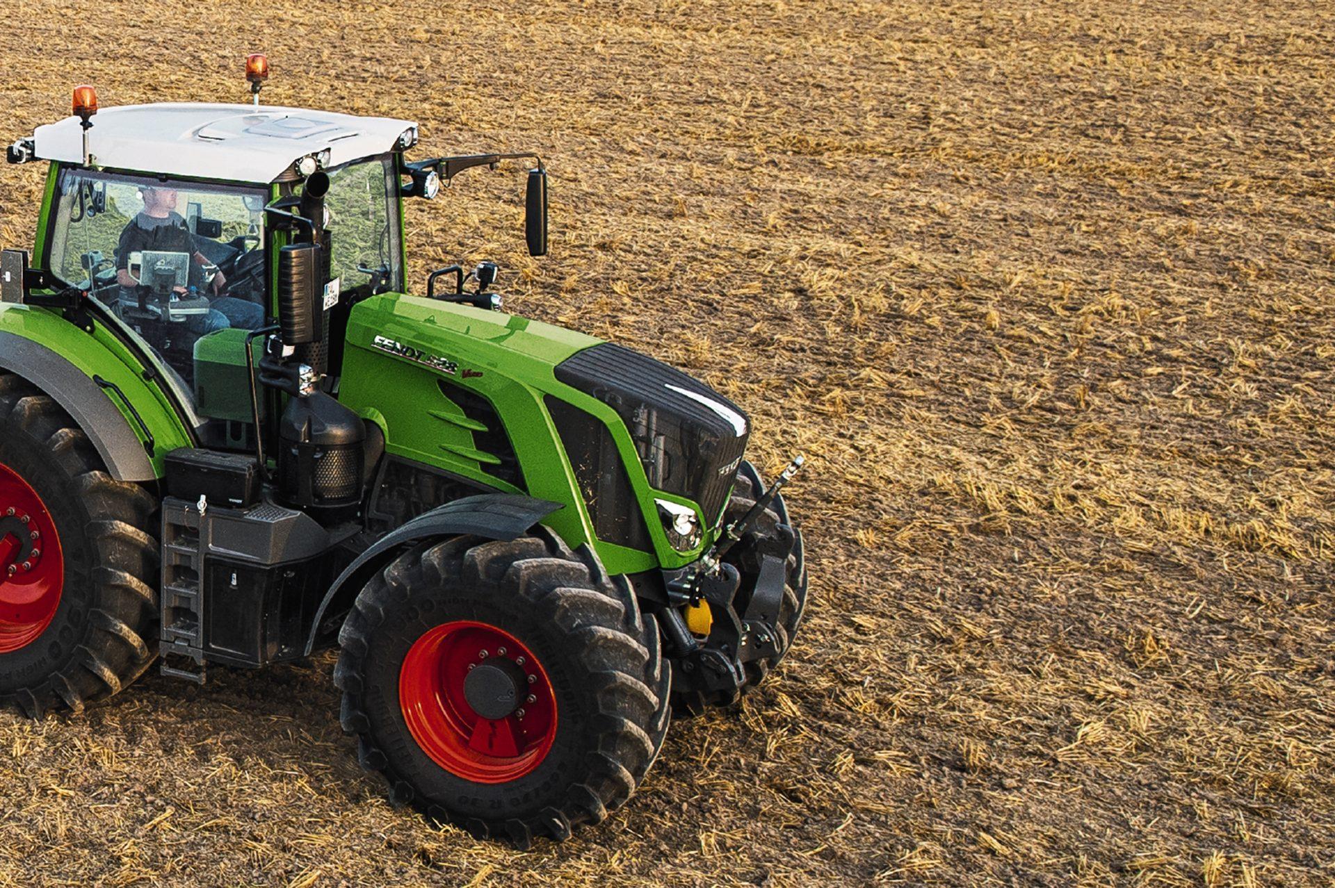 Tractor Fendt 828 Vario Profi