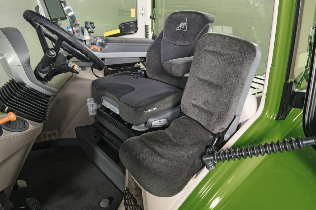 tractor fendt 720 vario profi scaun interior cabina