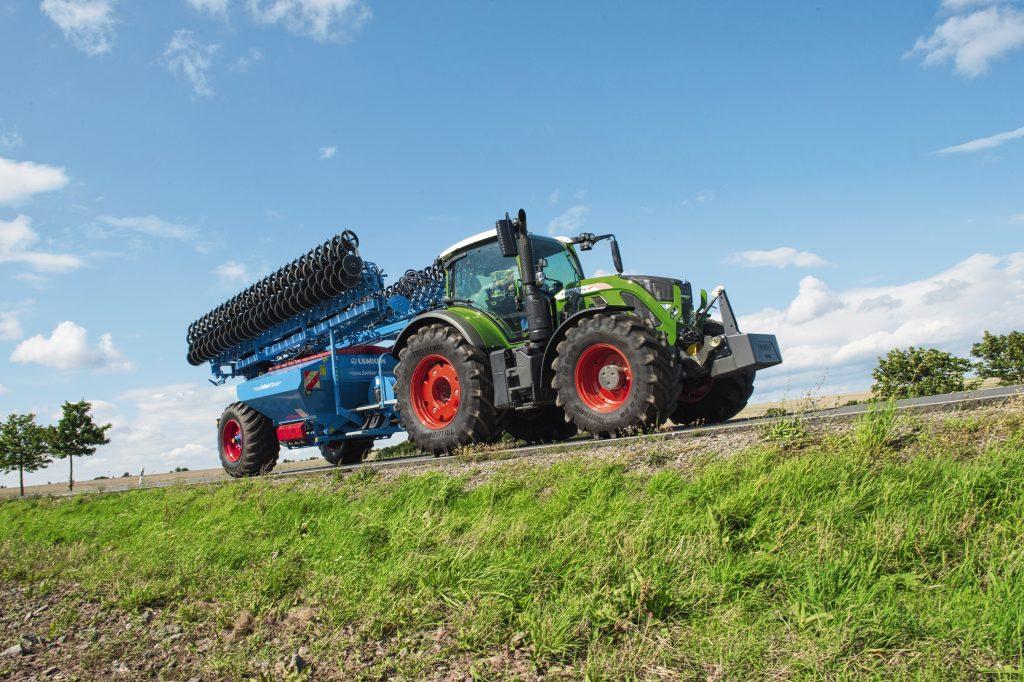 Tractor Fendt 718 Vario Power