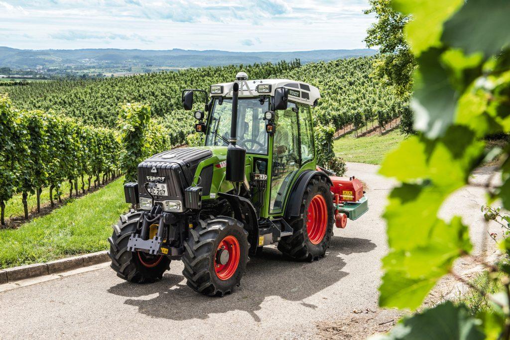 Tractor Fendt 211 VF Vario