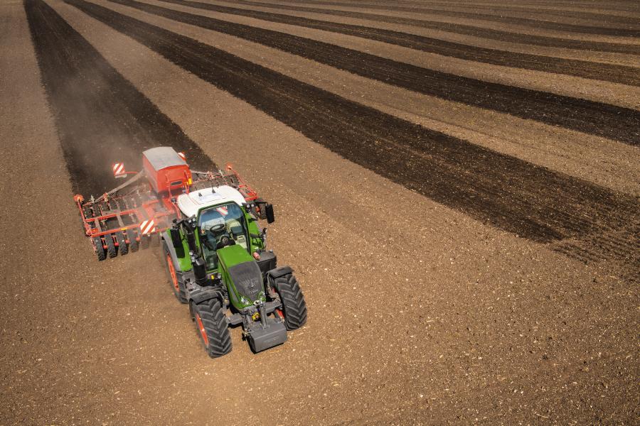 Tractor Fendt 714 Vario Profi Plus