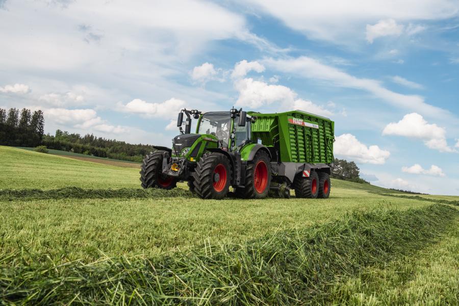 Tractor Fendt 724 Vario Profi Plus