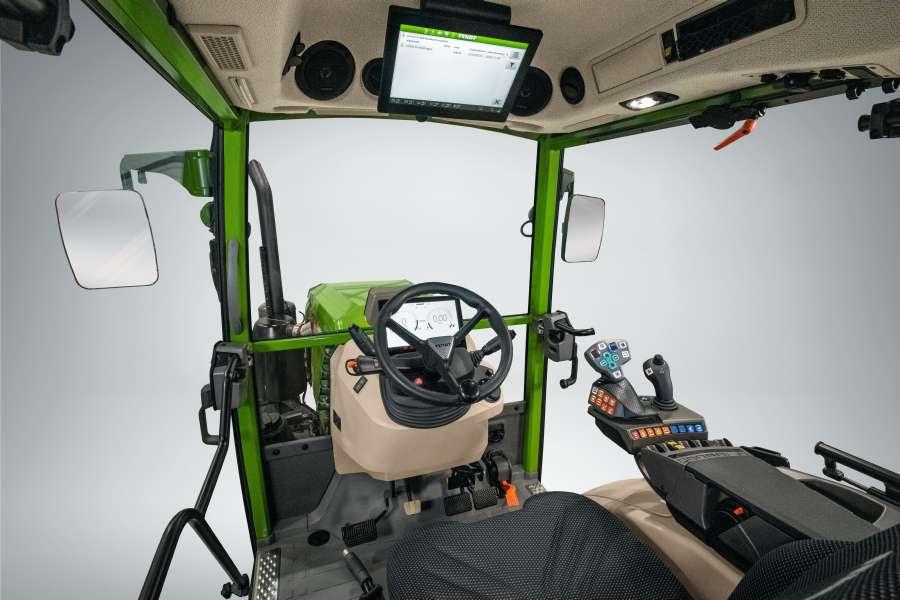 Tractor Fendt 200 Vario Profi+ interior