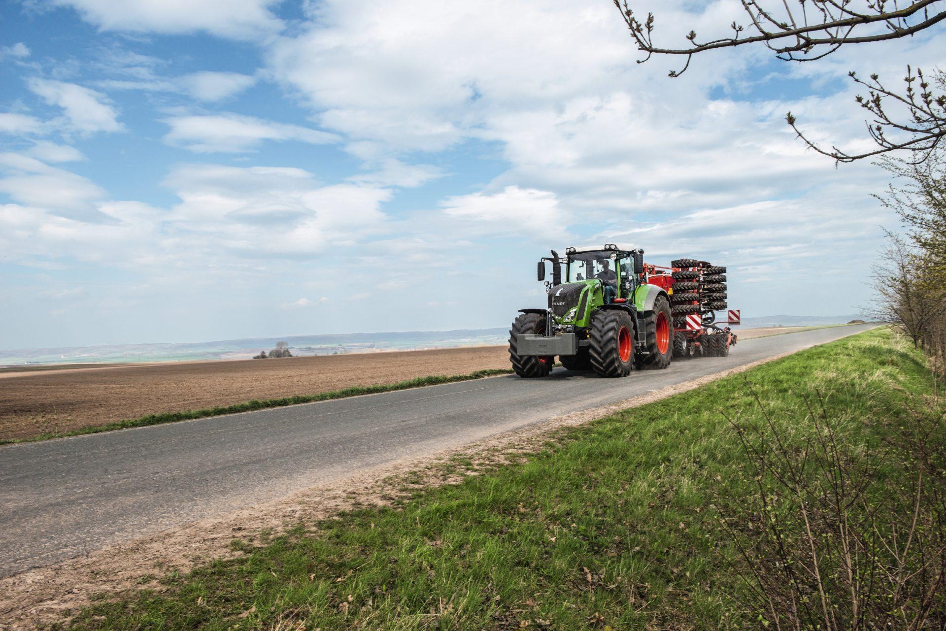 Tractor Fendt 822 Vario Profi Plus