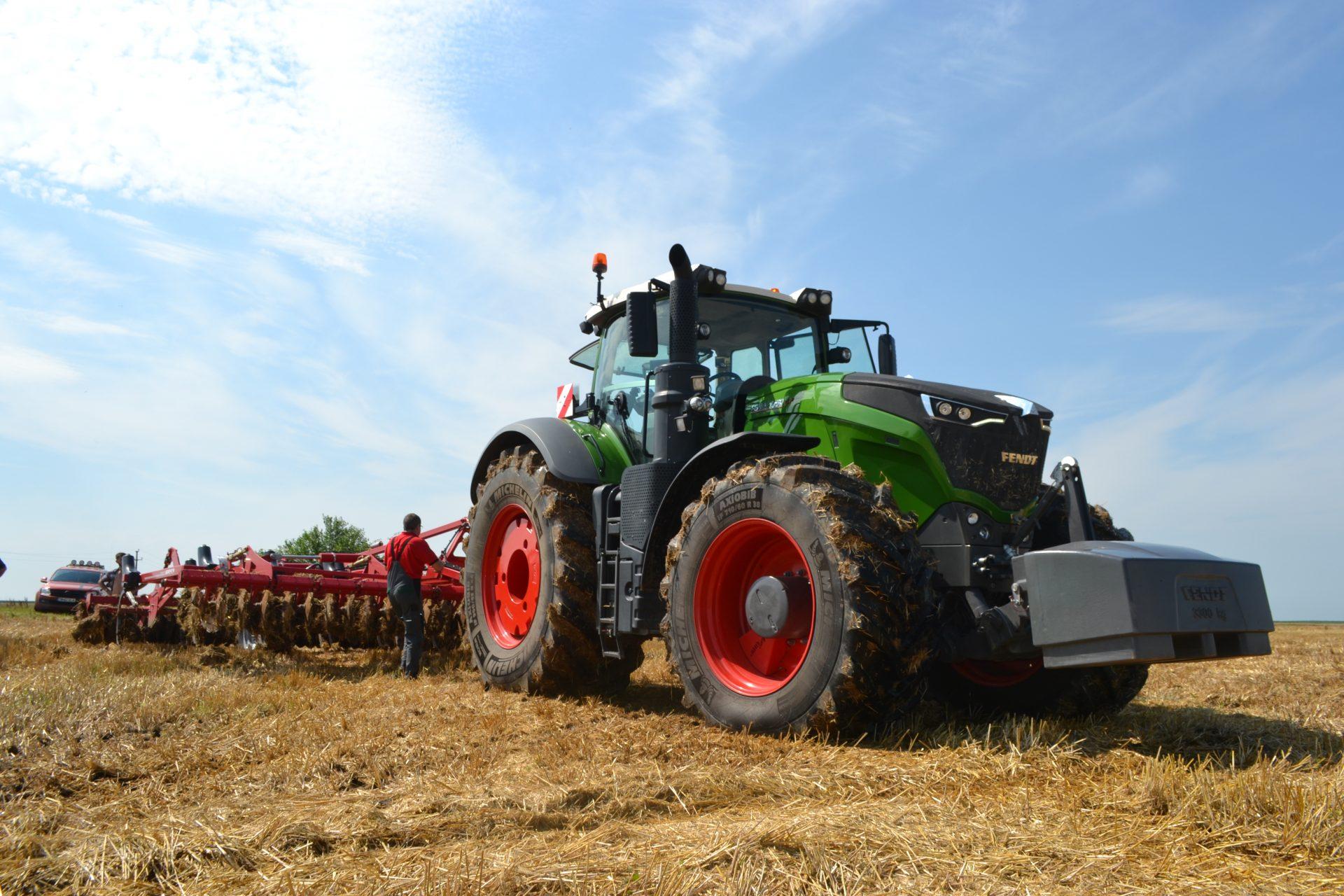 Tractor Fendt 1050 Vario