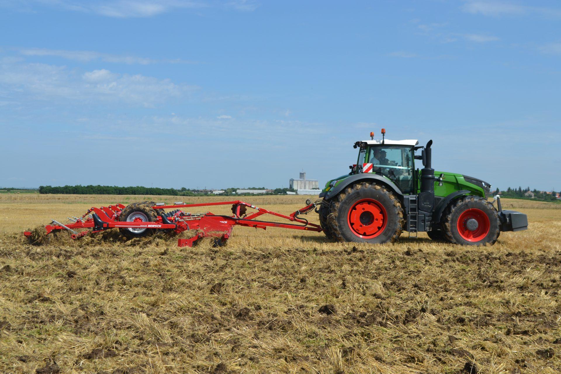 Tractor Fendt 1046 Vario Power Plus