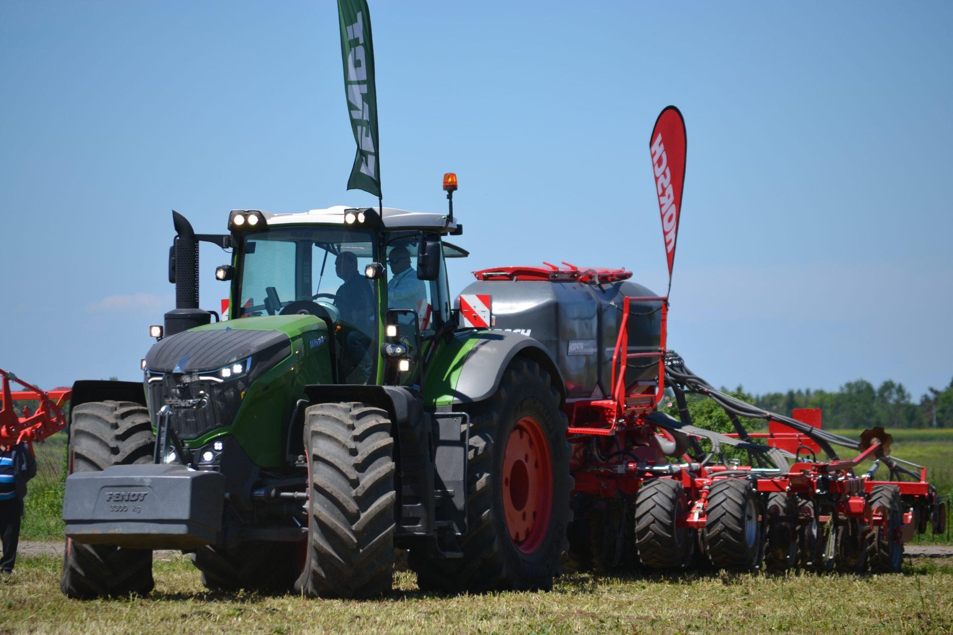 Tractor Fendt 1038