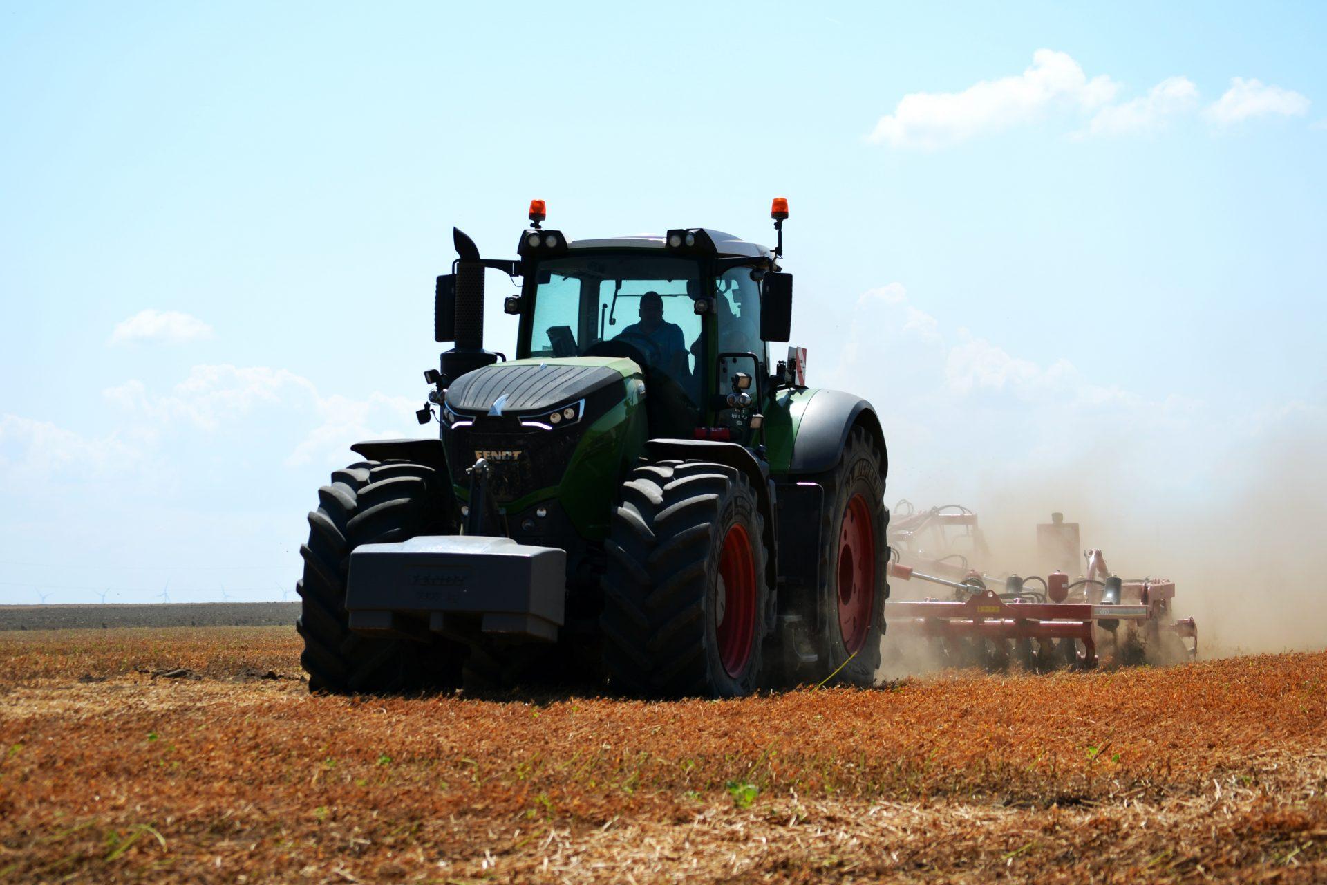 Tractor Fendt 1038 Vario Profi