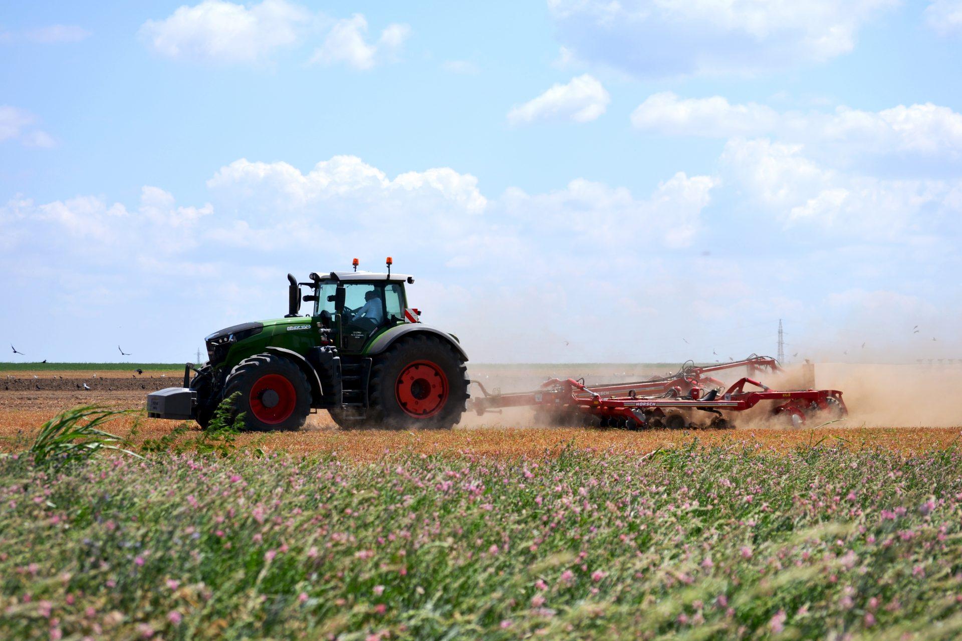Tractor Fendt 1042 Vario Power Plus