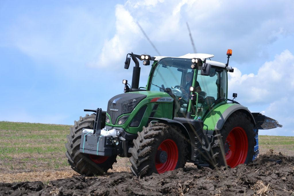 Tractor Fendt 716 Vario Power
