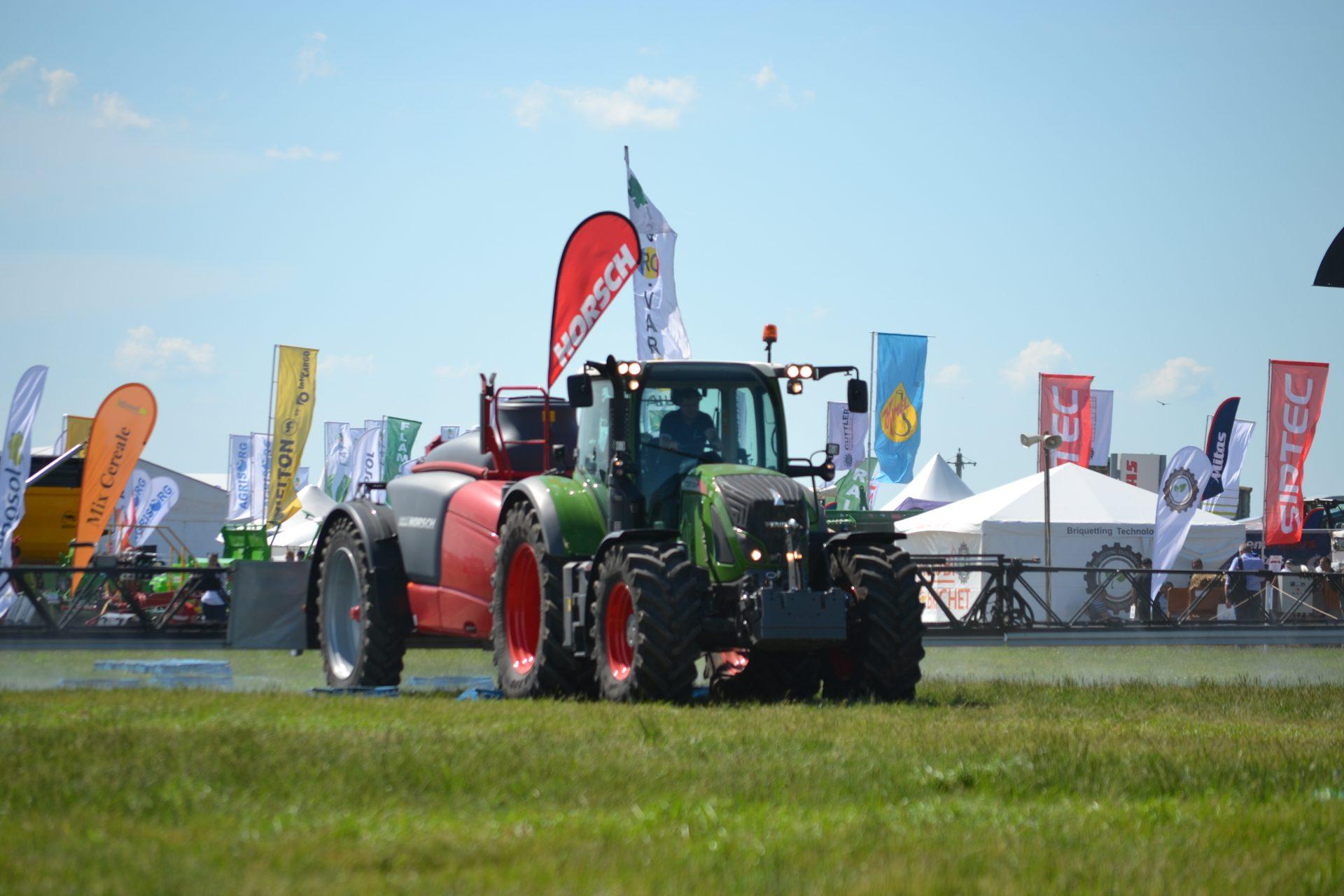 Tractor Fendt 724 Vario Power