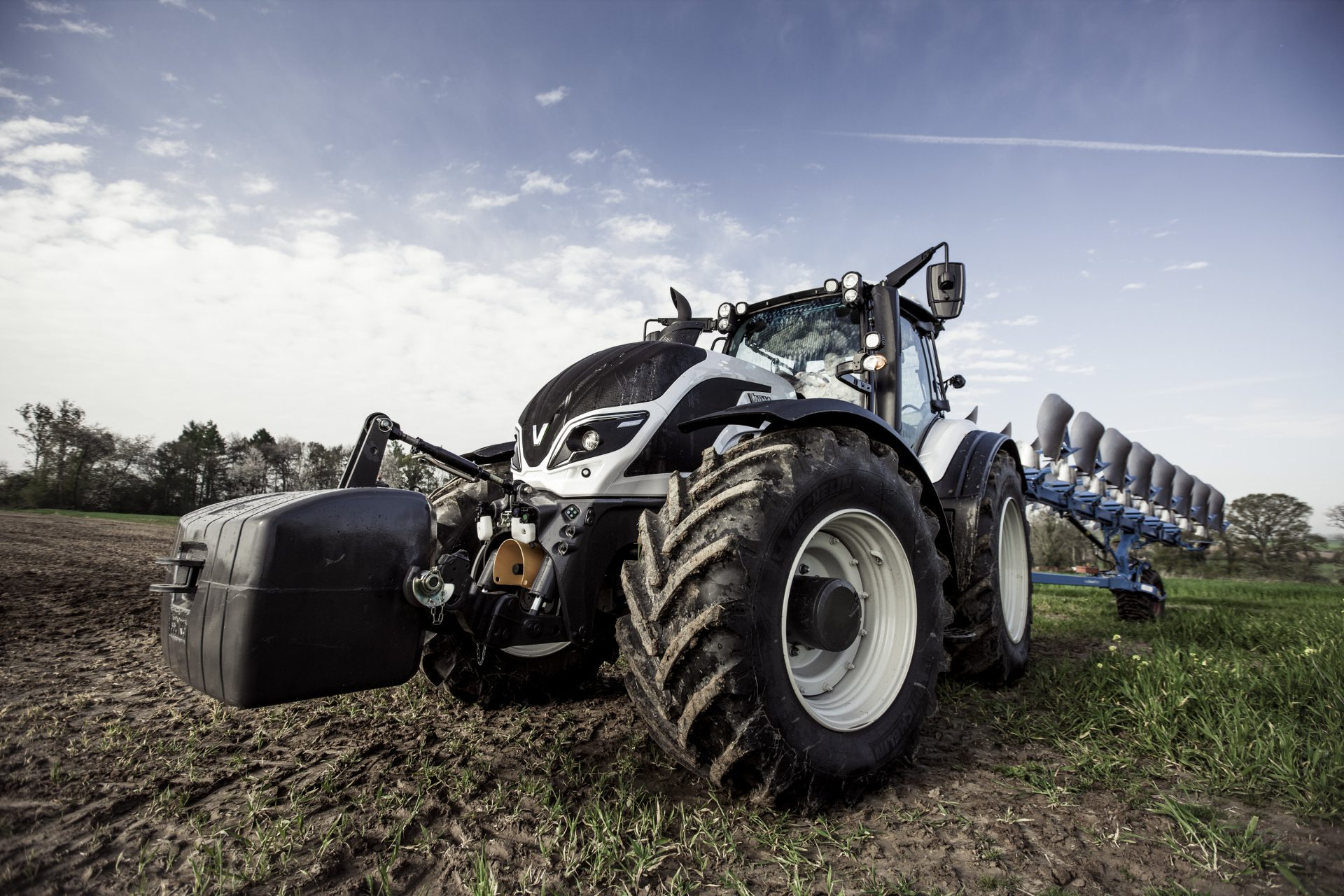 Tractor Valtra T 154 H