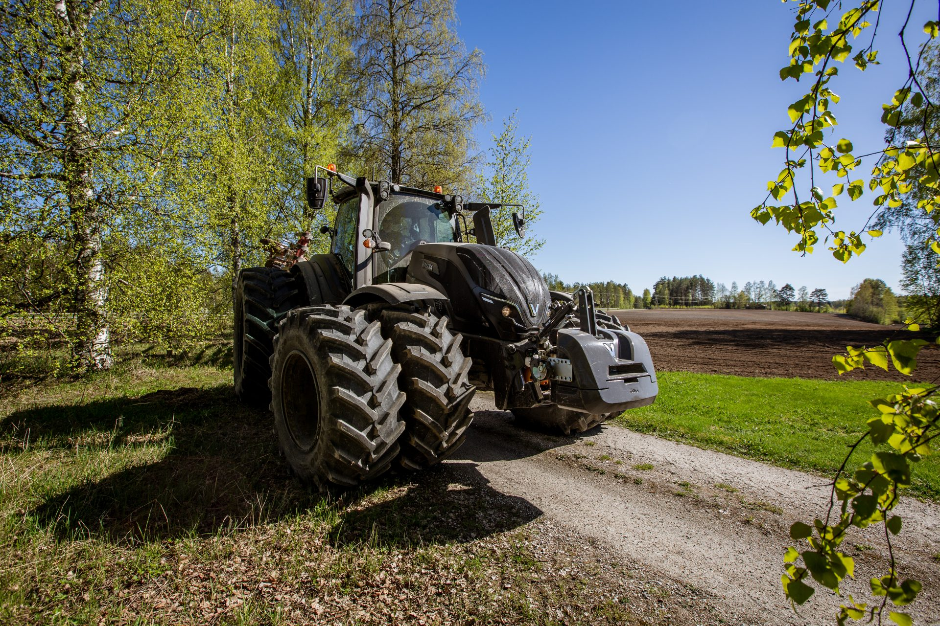 Tractor Valtra T 214 V Smart Touch