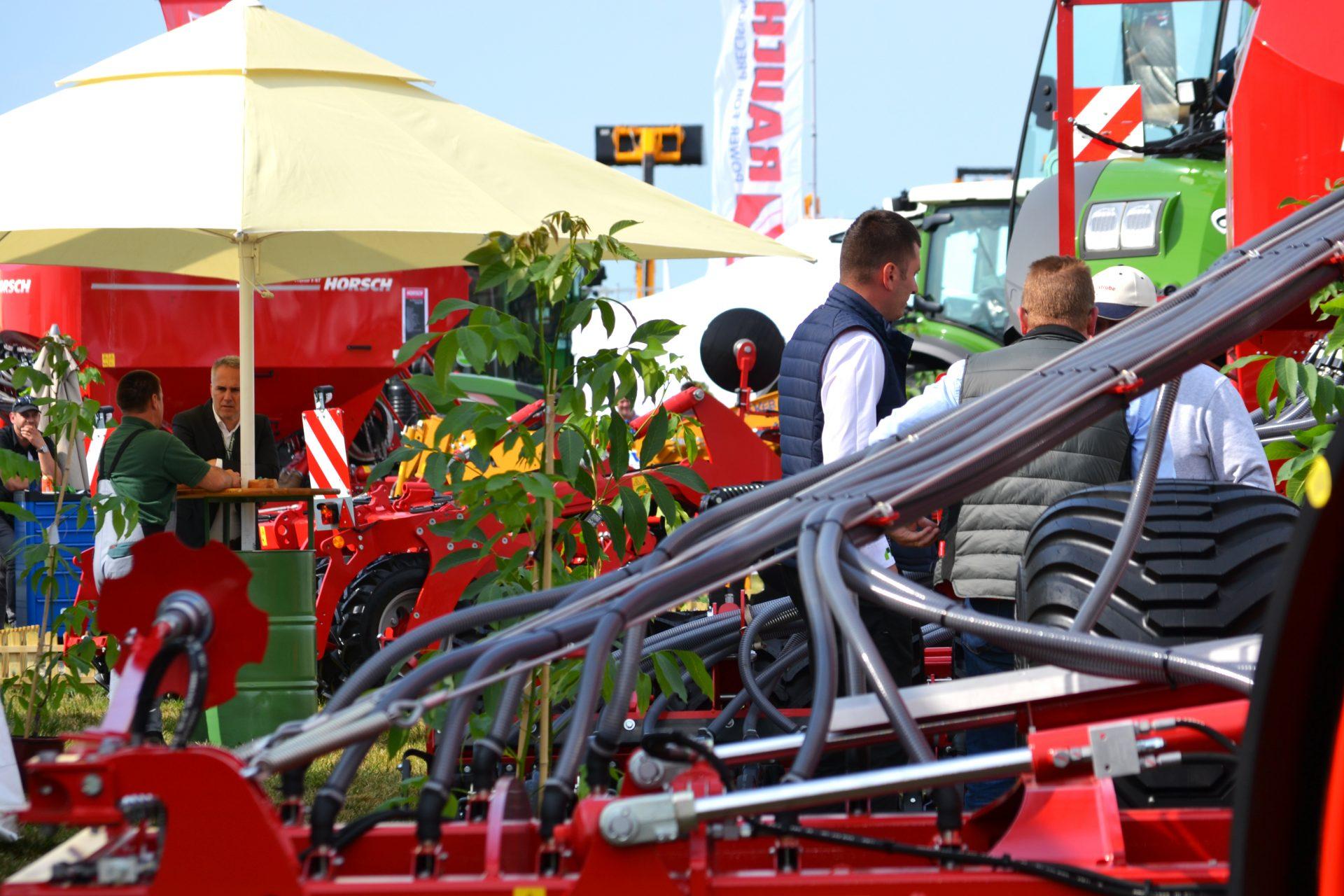 Furnizori echipamente agricole