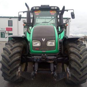Tractor VALTRA T 202 D, ridicător frontal 35 kN, cuplă de remorcare inclusiv suport