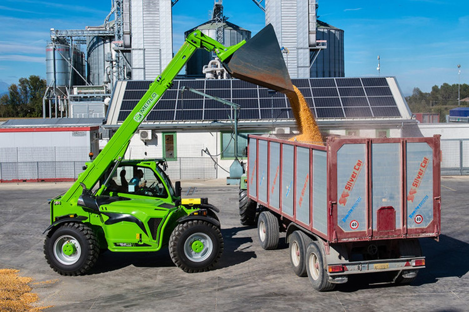 Merlo Turbofarmer 50.8 T-170 descarcare cereale in remorca