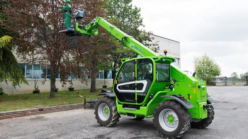 Utilaje agricole si industrale marca Merlo Turbofarmer 38.10-140