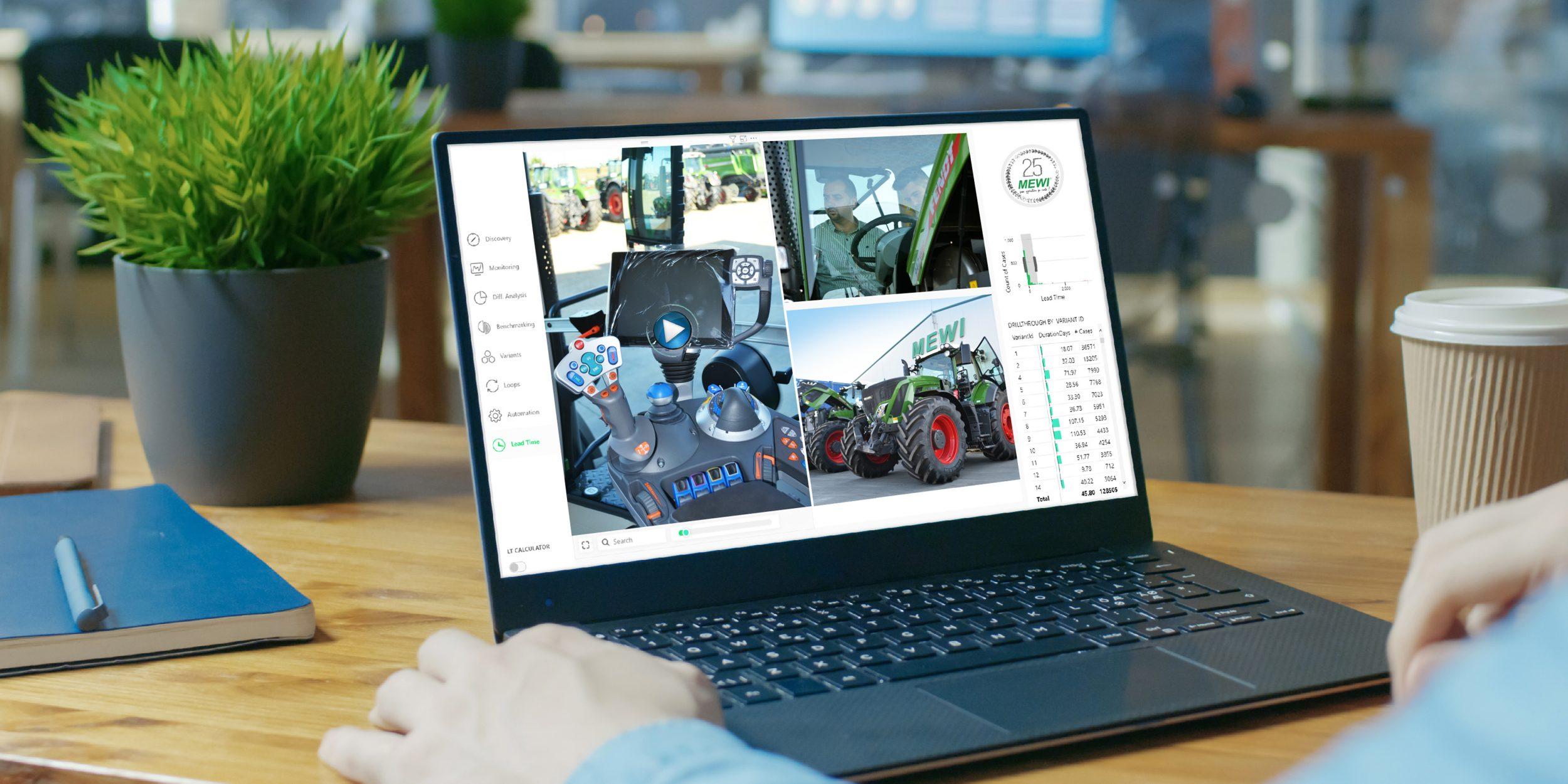 Laptop folosit la prezentarea unui demo virtual cu echipamente si masini agricole