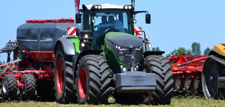 Tractor marca Fendt , 3300 kg
