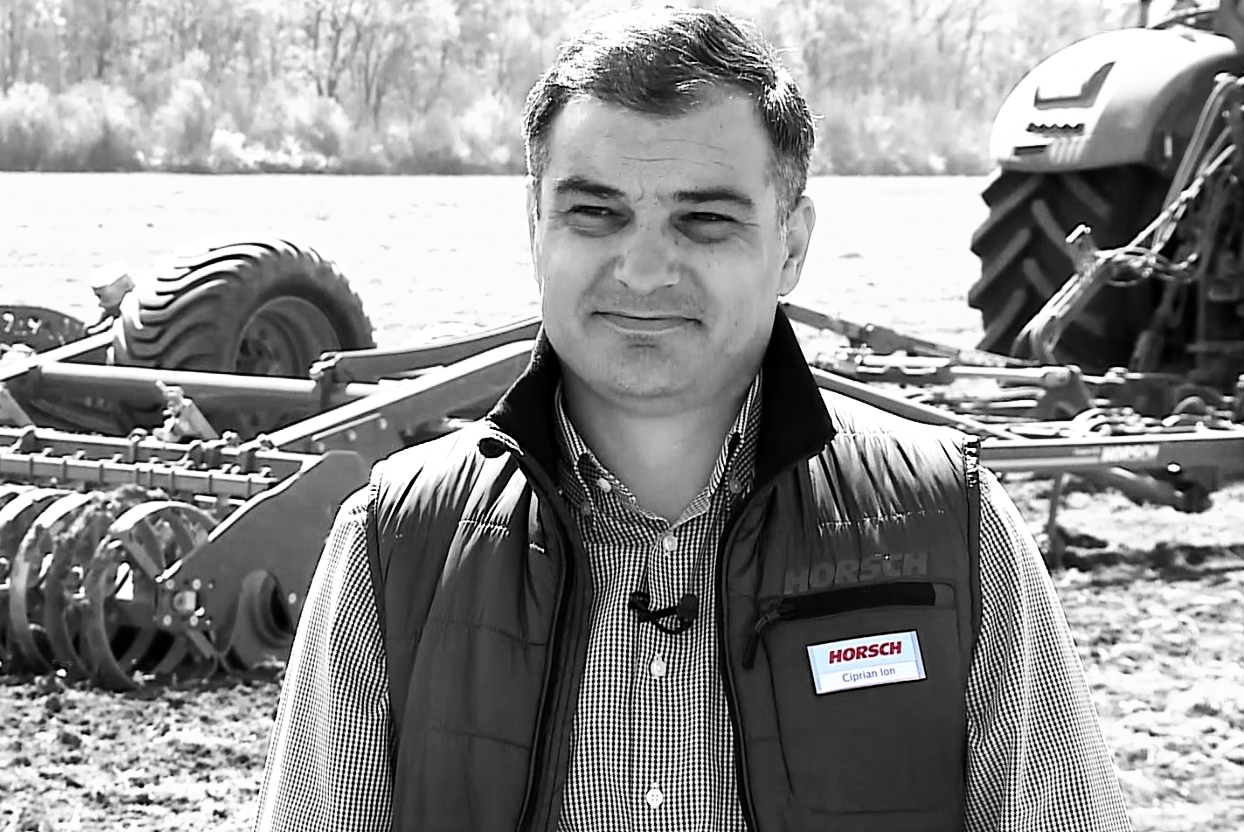 Reprezentat Horsch în România in fata echipamentului agricol