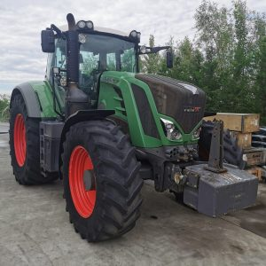 Tractor FENDT 828 Vario S4 Power second hand, suspensie punte față, suport prindere greutate frontală