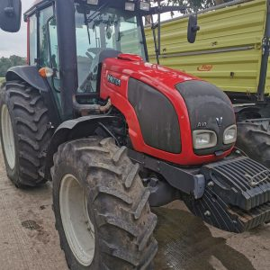 Tractor Valtra A93 H, anvelope 13.6R24, 420/85R34